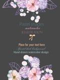 Szablon pocztówka z z akwareli oferty liśćmi w pastelowych cieniach i kwiatami, ręka rysująca na ciemnym tle Obrazy Stock