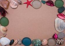 Szablon rama prezenty od morza zdjęcie royalty free