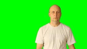 Szablonu przejrzysty tło Mężczyzna pokazuje gesty na zielenieje ekran Gesty z głową, ręki, dotykają tak tam zbiory wideo