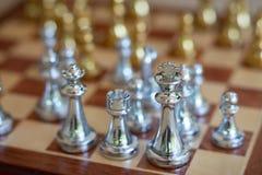 Szachowa gra planszowa, biznesowy konkurencyjny poj?cie zdjęcia royalty free