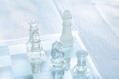 Szachowa gra planszowa robi? szk?o, biznesowy konkurencyjny poj?cie fotografia royalty free