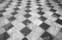 Szachowa podłoga abstrakcjonistycznego tła czerń dynamiczni kwadraty biały tła czarny karcianego projekta kwiatu fractal dobrego  Obrazy Royalty Free