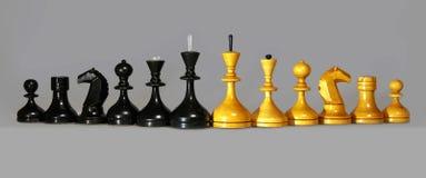 Szachowe czarny i biały postacie Zdjęcia Royalty Free