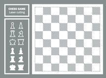 Szachowej gry laseru dekoracyjny cięcie geometryczny ornament Chessboard i szachowi kawałki czarny król Zdjęcie Stock
