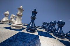 Szachy: czerń versus biel Zdjęcie Stock