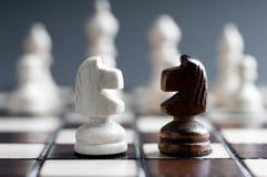 szachy drewniany dwa Zdjęcia Royalty Free