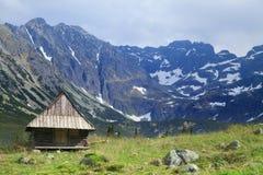 Szalet w górach zdjęcia royalty free