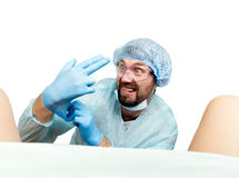 Szalony gynecologist egzamininuje pacjenta szalenie doktorskie wyrażeniowe różne emocje i robią różnemu hand& x27; s znaki Fotografia Royalty Free
