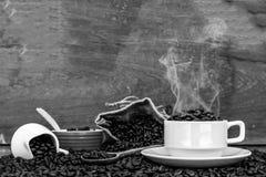 Szalony w miłości z kawą Zdjęcia Royalty Free