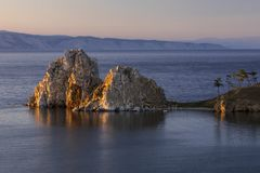 Szaman skała blisko Khuzhir przy jeziornym Baikal Zdjęcie Royalty Free