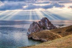Szaman skała, Jeziorny Baikal w Rosja Obrazy Royalty Free