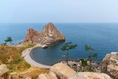 Szaman skała w wczesnym poranku baikal jeziora baikal jezioro olkhon Rosji wyspy Rosja Fotografia Royalty Free