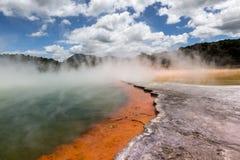 Szampański basen w Waiotapu Termicznej rezerwie, Rotorua, Nowa Zelandia Zdjęcie Royalty Free