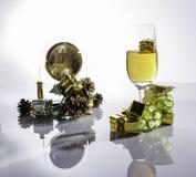 Szampan i winogrona przygotowywający dla nowego roku Obrazy Royalty Free