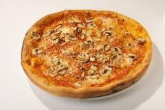 szampinion pieczarkowa pizza Zdjęcia Royalty Free