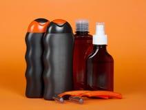 Szampon, gel, płukanka i zbawcza żyletka, zdjęcia stock