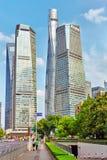 SZANGHAJ, CHINY MAY, 24, 2015: Drapacze chmur, miasta Pu budynek Fotografia Royalty Free
