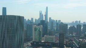 Szanghaj Miasto Miastowy Lujiazui pejzaż miejski przy słonecznym dniem Chiny widok z lotu ptaka zdjęcie wideo