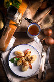 Szare-kluski - polnische Kartoffelmehlklöße Lizenzfreie Stockfotografie