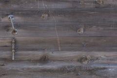 Szarej stajni Drewniana ściana Zaszaluje Prostokątną teksturę Starego Drewnianego wieśniaka deseczek Popielaty Podławy tło Twarde Fotografia Stock