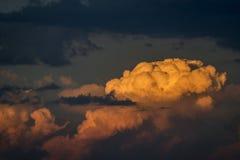 Szarość i koloru żółtego chmury Fotografia Royalty Free