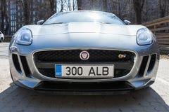 Szary kruszcowy Jaguar typ coupe, frontowy widok Zdjęcie Royalty Free