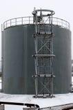 Szary składowy zbiornik z schodkami obraz stock