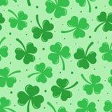 Szczęśliwego St Patrick dnia wektorowy bezszwowy wzór ilustracji