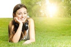 Szczęścia dziewczyny target561_0_ fotografia royalty free