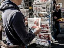 Szczęścia Macron gazeta Francja Obraz Royalty Free