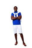 Szczęśliwa afrykańska mężczyzna pozycja z rękami składać Obrazy Royalty Free