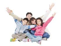 Szczęśliwa azjatykcia rodzina Zdjęcia Royalty Free
