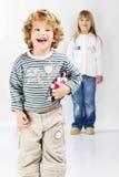 szczęśliwa chłopiec dziewczyna fotografia stock