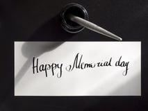 Szczęśliwa dnia pamięci literowania i kaligrafii pocztówka Odgórny widok Pierwszy ciężki Obraz Stock