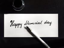 Szczęśliwa dnia pamięci literowania i kaligrafii pocztówka Odgórny widok pisze list małego Fotografia Royalty Free