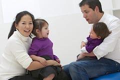 Szczęśliwa etniczna rodzina Zdjęcie Royalty Free