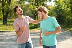 Szczęśliwa homoseksualna para ma zabawę fotografia royalty free