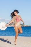 Szczęśliwa kobieta na wakacje letni lub wakacje Fotografia Stock