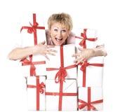 szczęśliwa kobieta prezent obrazy stock