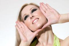 szczęśliwa kobieta ramowego twarzy Zdjęcia Royalty Free