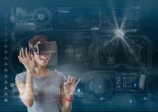 Szczęśliwa kobieta w VR słuchawki wzruszającym interfejsie przeciw niebieskiemu niebu z racami i gwiazdami Zdjęcia Royalty Free