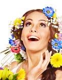 Szczęśliwa kobieta z kwiatem. Obrazy Royalty Free