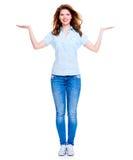 Szczęśliwa kobieta z prezentacja gestem Zdjęcia Royalty Free