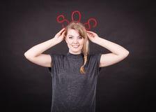 Szczęśliwa kobieta z sos znakiem Zdjęcie Stock