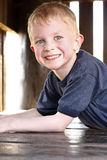 Szczęśliwa młoda chłopiec Fotografia Royalty Free