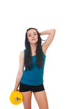 Szczęśliwa młoda kobieta bawi się ćwiczenia. fotografia royalty free