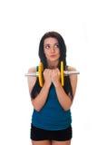 Szczęśliwa młoda kobieta bawi się ćwiczenia. zdjęcia royalty free