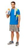 Szczęśliwa młody człowiek woda pitna Po treningu Zdjęcie Stock