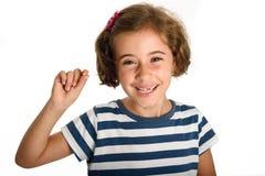 Szczęśliwa mała dziewczynka pokazuje jej pierwszy spadać ząb Obrazy Stock