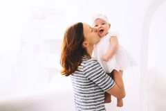 Szczęśliwa matka i śliczna dziewczynka Obraz Stock
